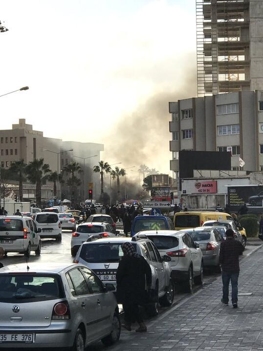 Son dakika... İzmirde patlama... İlk açıklama
