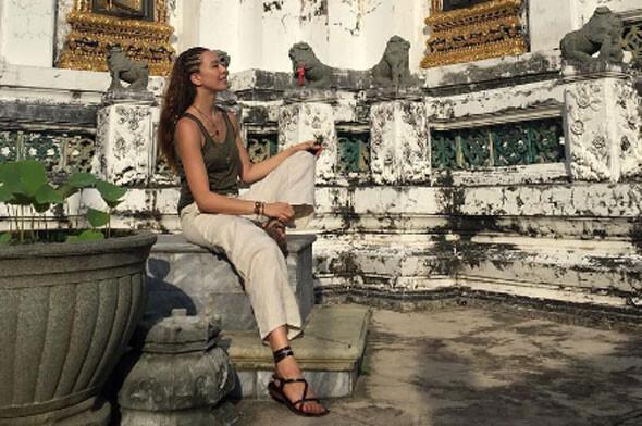 Azra Akın Tayland'a tatile gitti