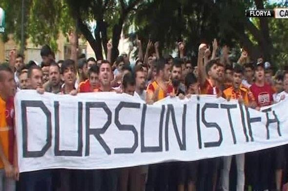 Galatasaray taraftarından Florya'da protesto