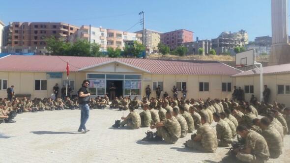 Şırnak'ta yüzlerce asker gözaltında