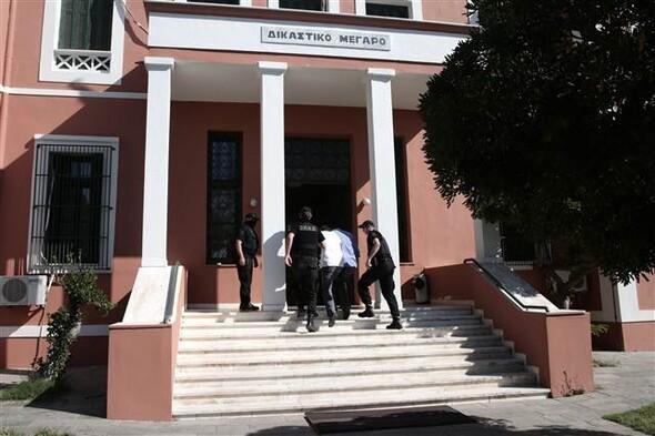 Helikopterle Yunanistan'a kaçan darbeci askerler savcı karşısında