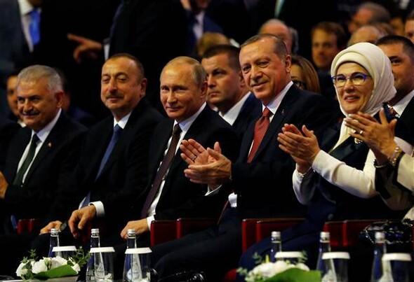 Erdo�an ve Putin salona birlikte geldi