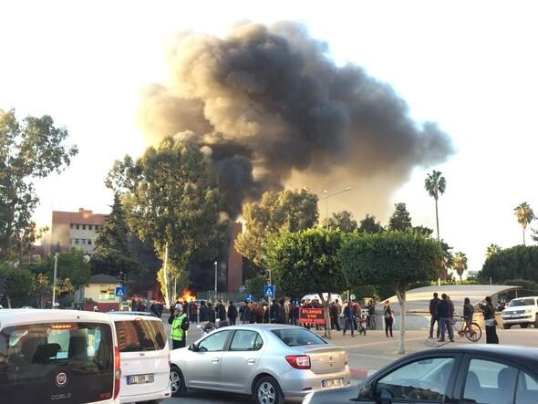 Adana Valiliği önünde patlama