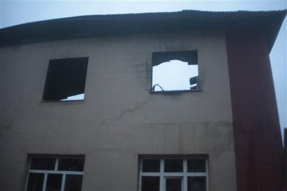 Adanada kız öğrenci yurdundaki yangından ilk kareler...