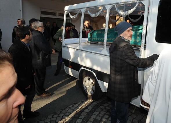 Erdal Tosun son yolculuğuna uğurlanıyor (Foto-Galeri)