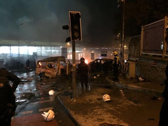 Beşiktaşta patlamanın yaşandığı yerden ilk görüntüler