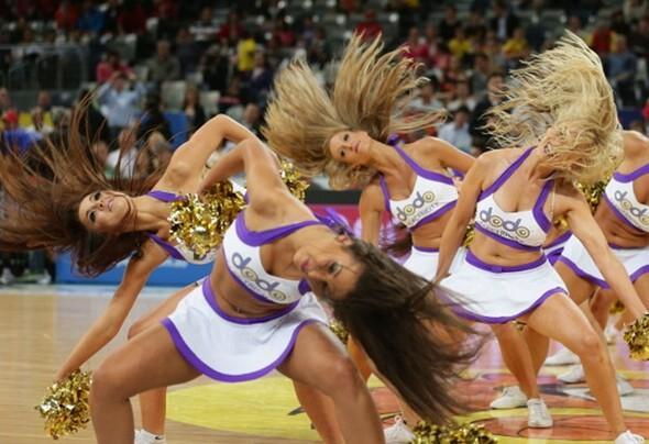 Amigo kızlar Olimpiyat yolunda