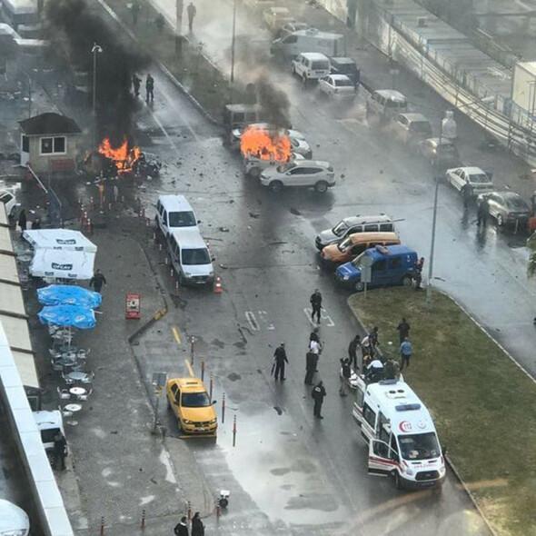 İzmirdeki patlamadan ilk görüntüler