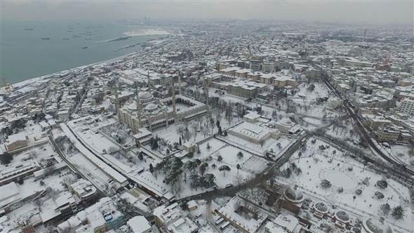 A Kék Mecset a hóban - Forrás: Hürriyet