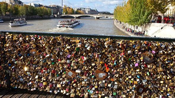 paris aşk köprüsü