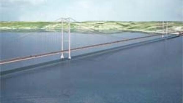 Körfez Köprüsü'nün çelikleri için 15 ayda bitirme sözü verdi, Japon'a ipek böceği çağrısı yaptı