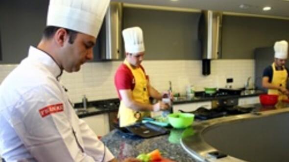 Akademili aşçılar geliyor