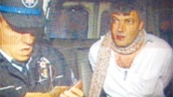 Sarhoş doktor taksici kovaladı