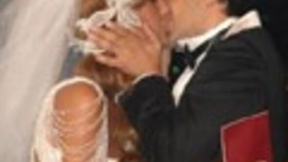 Çağla ve Emre böyle evlendi
