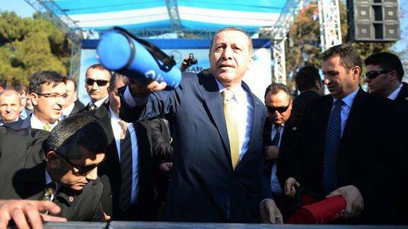 Başbakan Erdoğan satranç takımı dağıttı