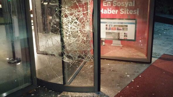 Hürriyete çirkin saldırıya CHP ve MHPden tepki