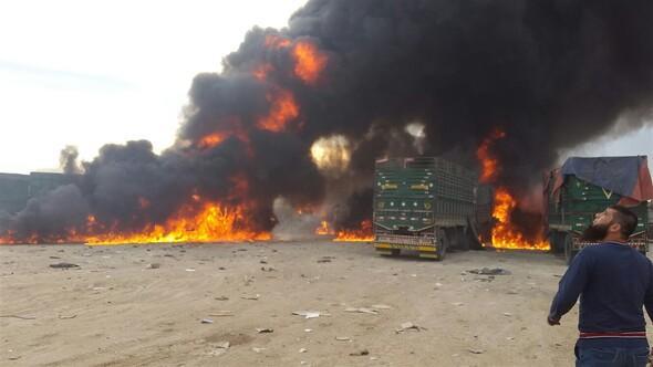 İnsani yardım konvoyu Türkiye sınırında vuruldu
