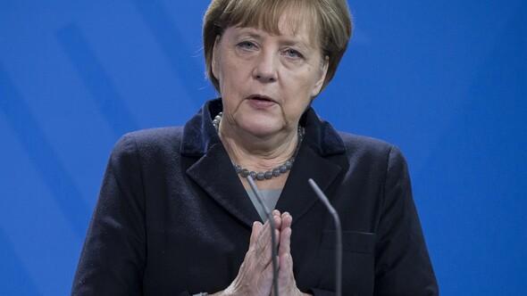 Merkelden Schengen çağrısı