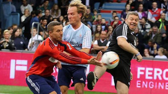 Ne yaptın Podolski
