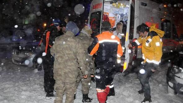 Palandöken Jandarma Karakoluna çığ düştü: 1 asker yaralı