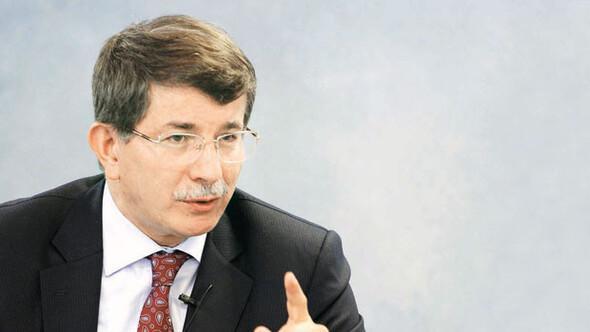 Başbakan Davutoğlu: Eş-iş-ev değiştirenden şüphe ederim