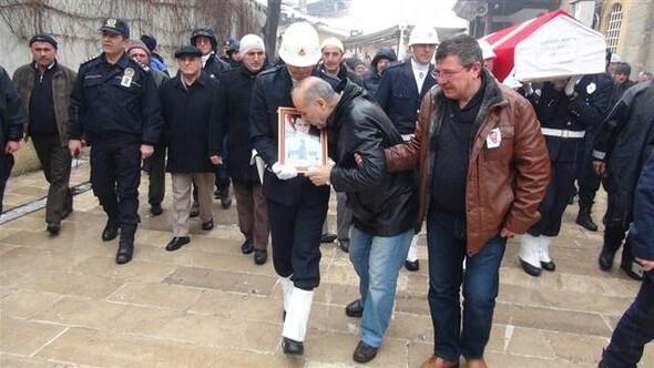 Rüzgar Çetin'in çarptığı şehit polis İsmet Fatih Alagöz son yolculuğuna uğurlandı