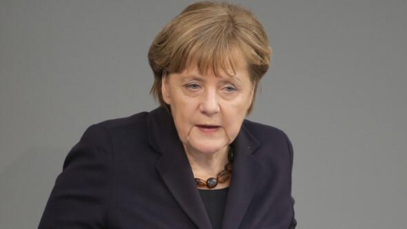 Almanya Başbakanı Angela Merkel: AB gülünç duruma düşüyor