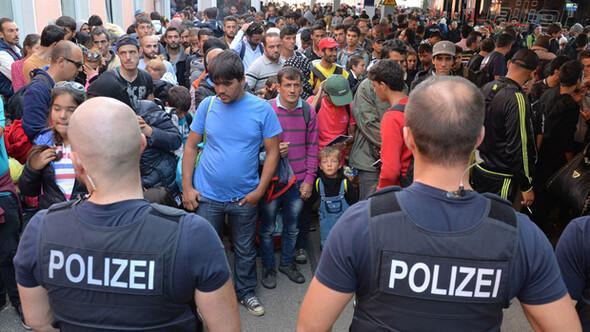 Mülteci akınının durması Almanyayı şaşkına çevirdi