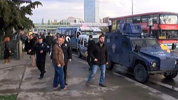 Kadıköyde metro içinde bomba şakası ortalığı birbirine kattı
