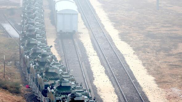 Sınır bölgesine dev askeri sevkiyat