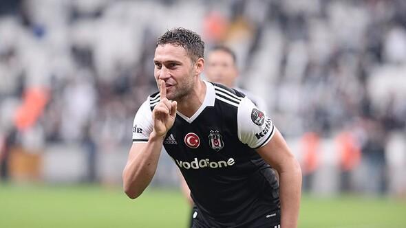 Beşiktaşta yeni imza geldi, Dusko Tosic imzaladı