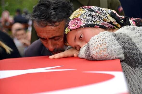 Yağlıdere'de 10 bin kişi şehidi uğurladı