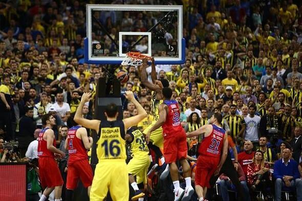 Fenerbahçe-CSKA Moskova maçı nefes kesti