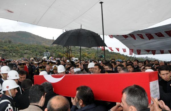 Şehit Furkan Yılmaz'ı binler uğurladı