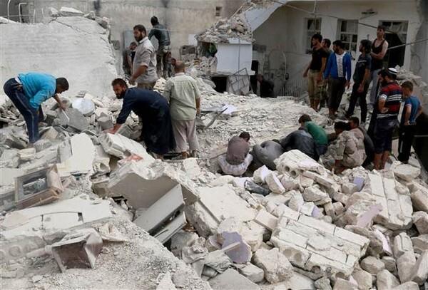 Halep'teki hava saldırılarında ölen sivil sayısı 86'ya yükseldi