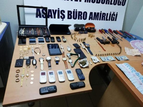 Gebze Cumhuriyet Savcısı'nın da evini soymuşlardı! Yakalandılar