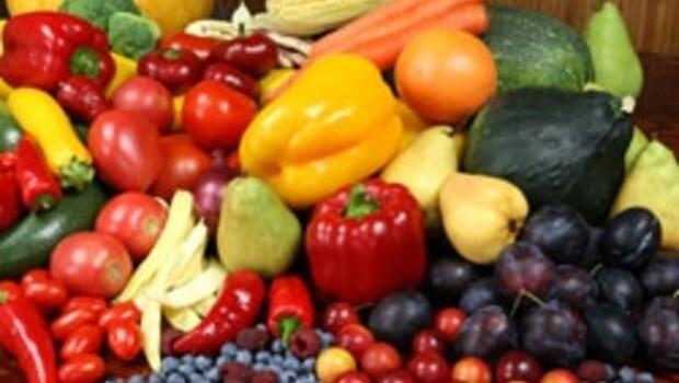 Renkli sebze ve meyveler göze faydalı