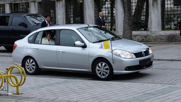 Mütevazı Papa için mütevazı otomobil