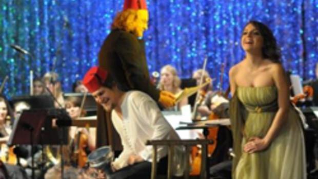 Polonya'da 'fesli' opera resitali