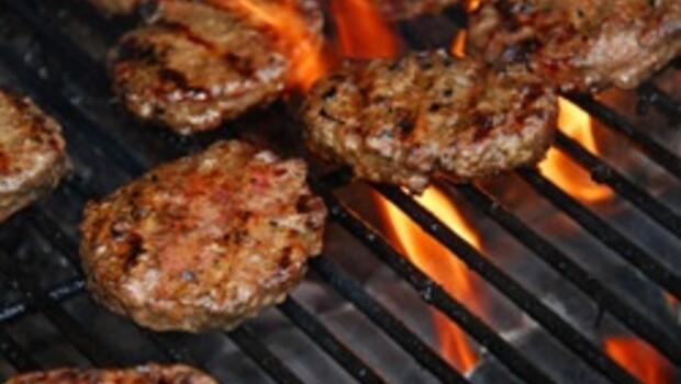 Kırmızı et damar tıkanıklığına neden oluyor