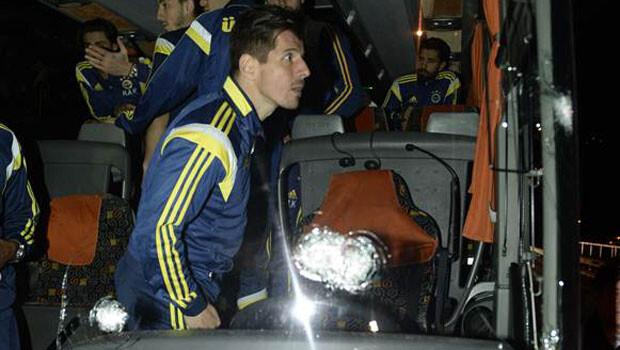 Trabzon'da Fenerbahçe'ye silahlı saldırı!