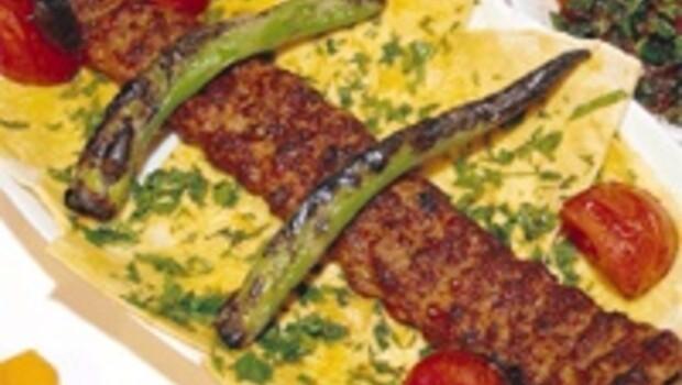 İtalya'nın 'yemek ırkçılığı' kebaba yarar pizzaya yasak koymayız