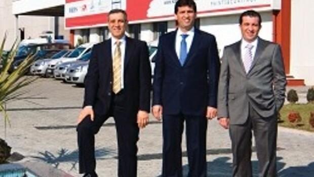 Baba, kayısı ihracatı için İzmir'e yerleşti, oğullar 'sanayinin boyacısı' oldu