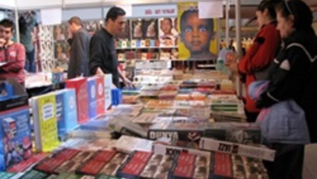 Kitap kurtları Ankara'da buluşuyor