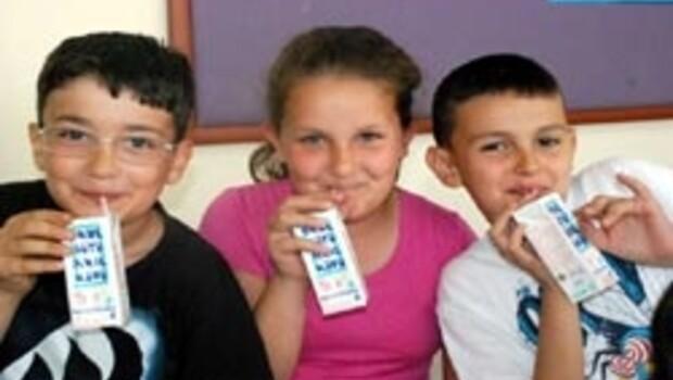 Okullarda süt dağıtımına başlandı