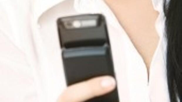 İzinsiz e-posta ve SMS atanlara 100 bin liralık ceza geliyor