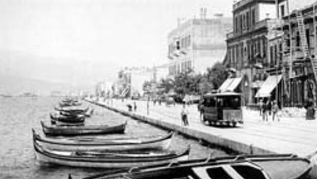 Atatürk ve İzmir (Anılarla)
