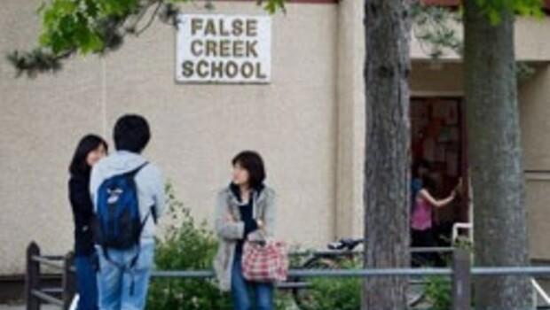 Vancouver'da iki okula insan uzuvları postalandı