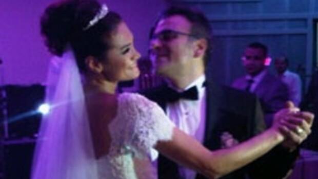 Mesut Yar evlendi