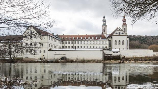 Almanya'da kilisede çocuk tacizi skandalı